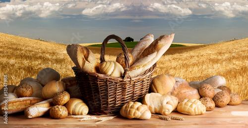 Papiers peints Boulangerie Bread on the wooden table