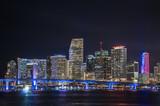 Fototapety Panorámica del centro financiero de Miami en la noche