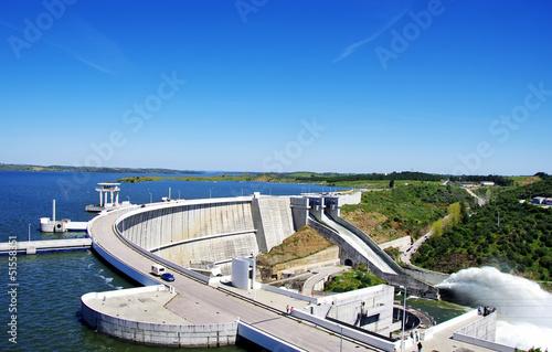 Fotobehang Dam Barrage of Alqueva, Portugal