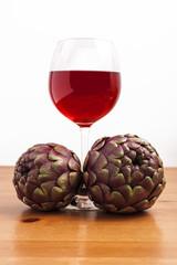 Carciofi e vino rosso