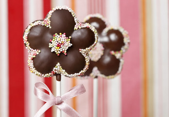 Chocolate cake pops in flower shape
