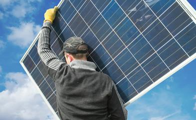 Solaranlage Monteur