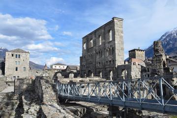 Италия, г. Аоста, Древнеримский театр.