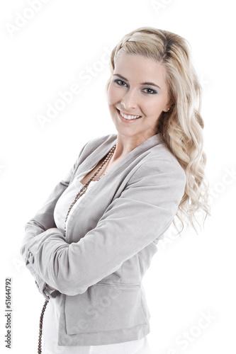 Portrait einer schönen blonden jungen Frau isoliert