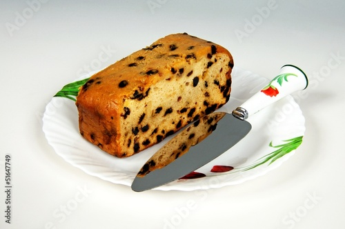 Fruitcake and cake knife © Arena Photo UK