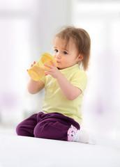 Baby beim Trinken