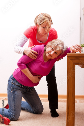 seniorin bricht im haus zusammen