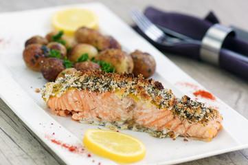 pavé de saumon pané et pommes de terre de noirmoutier 3