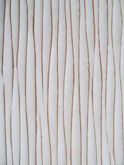 diseño con lineas sinuosas verticles