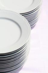 Pila di piatti