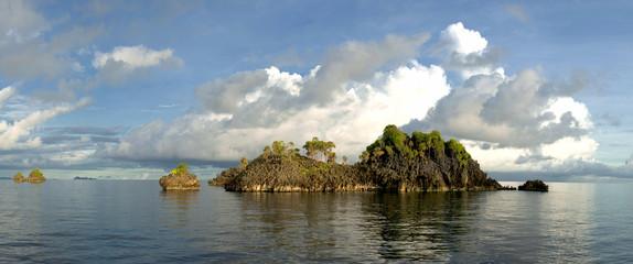 Raja Ampat Papua huge panorama landscape