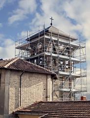campanile in ristrutturazione