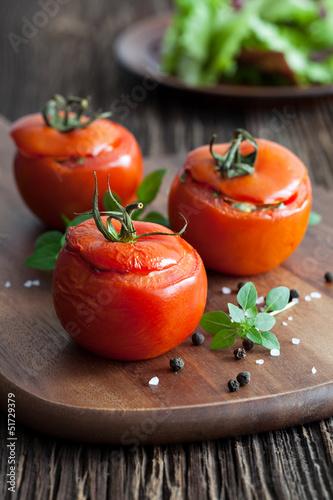 gefüllte rote Tomaten - 51729379