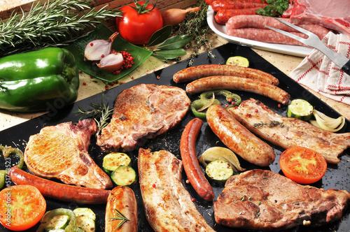 Aluminium Barbecue barbecue porc merguez et saucisses 3
