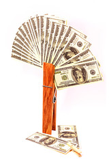 прищепка и деньги