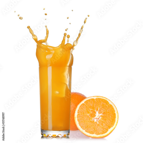 Poster Opspattend water splash of juice in the glass with orange isolated on white