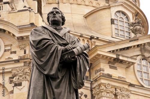 Leinwanddruck Bild Luther vor der Dresdner Frauenkirche