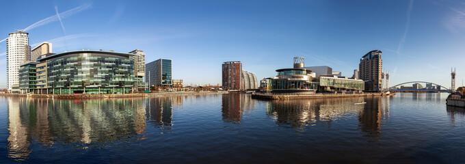 186 - panorama quays