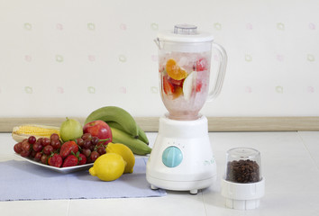 Multiple purpose fruits blender machine