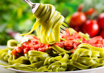 plate of spinach tagliatelle