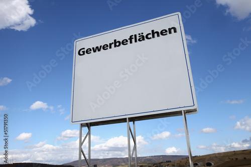 Schild mit Aufschrift Gewerbeflächen