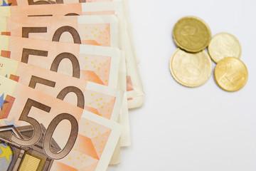 billetes de euros y monedas