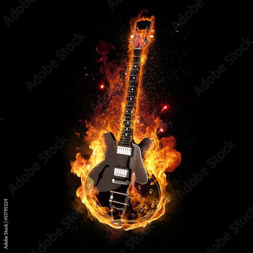 E Gitarre unter Feuer