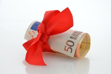 50 Euro mit rote Schleife