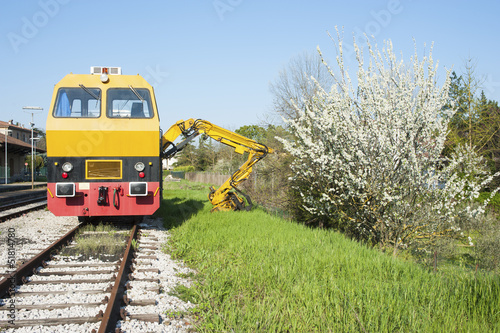 Carving railway machine