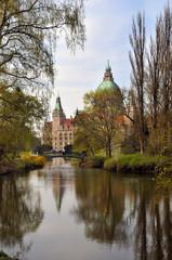 Maschpark mit Rathaus