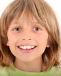 Portrait d'enfant blond souriant - 10 ans