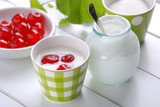 yogurt magro con ciliegie fatto in casa