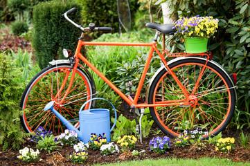 Fahrrad als Gartendekoration