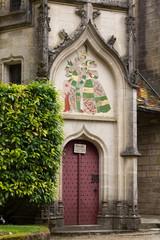 Porte décorée - château de la Rochepot