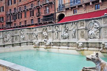 Siena, Piazza del Campo e Fonte Gaia