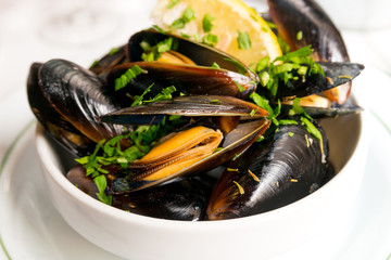 Mussel with white wine sauce