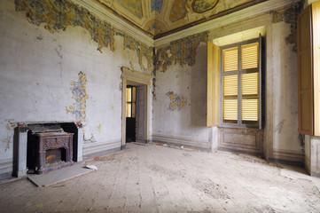 Abandoned room, Leri Cavour, Italy