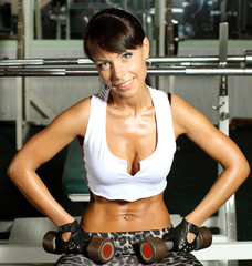 Fitness model trains in the gym