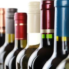 Flaschen mit Wein