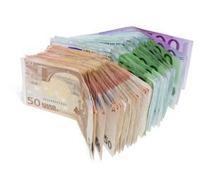 Geld, Geldscheine auf weißem Hintergrund