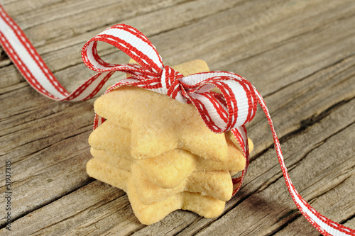 Star shaped cookies with red ribbon