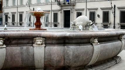 Fontana di Palazzo Chigi - Piazza Colonna - Roma