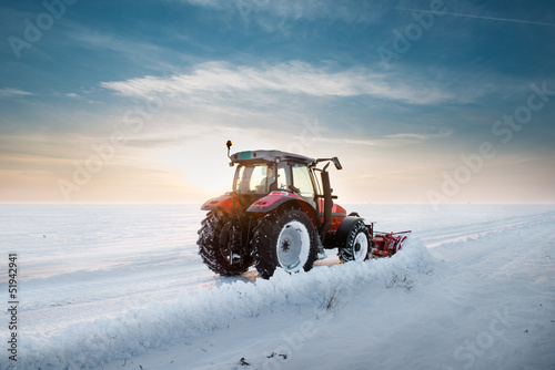 Tractor cleaning snow - 51942941