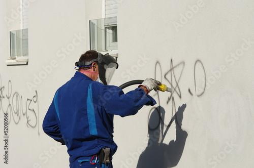nettoyage de graffiti - 52000566