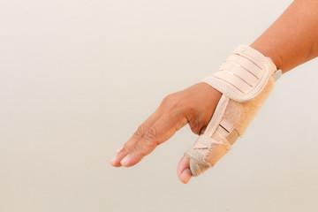 Man injury hand finger