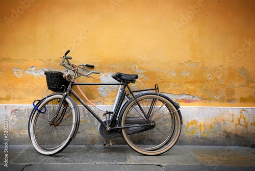 Italian old-style bycicles - 52022387