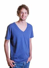 Freundlicher Student im blauen Shirt