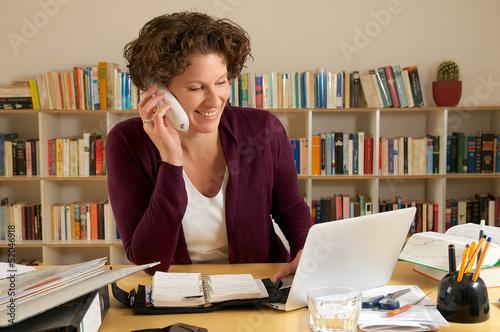 canvas print picture junge Geschäftsfrau im Büro