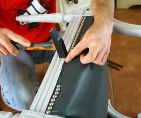 clouter un fauteuil,rénovation