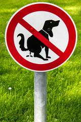 Verbotsschild Hundekot verboten